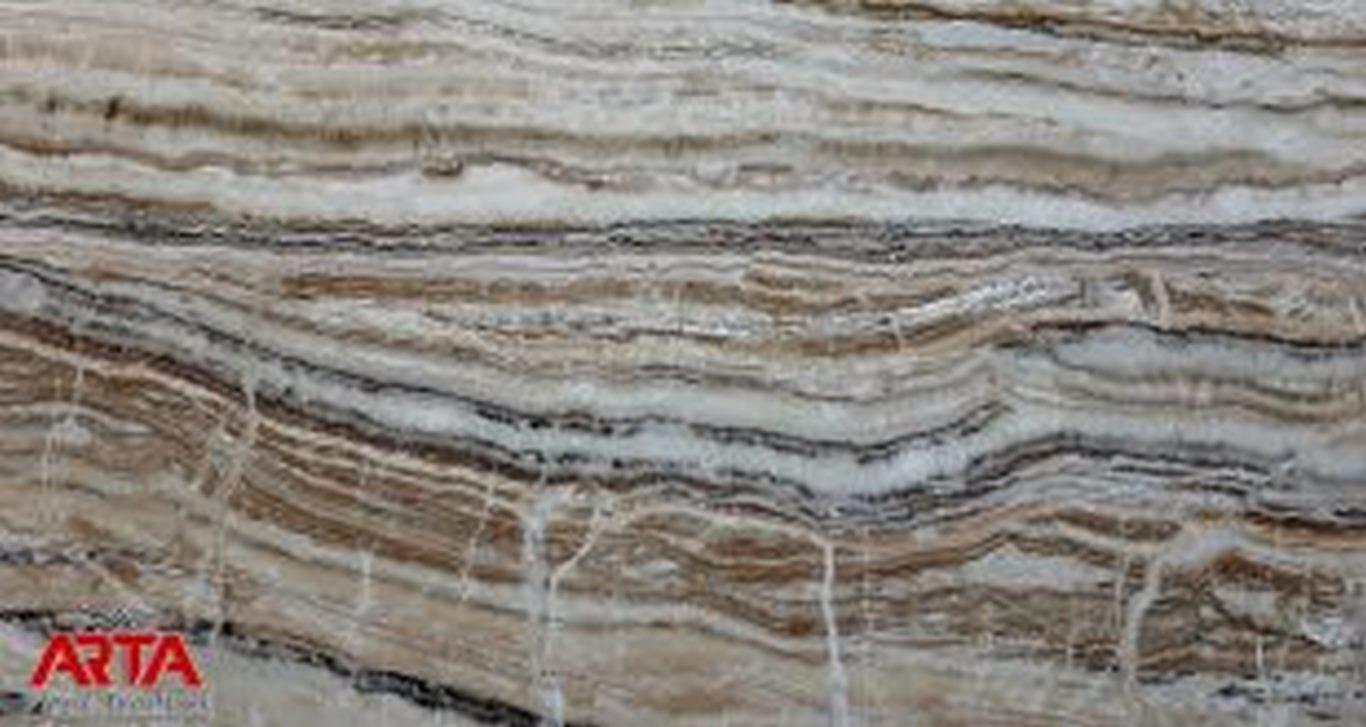 سنگ تراونیکس کارمانیا روشن